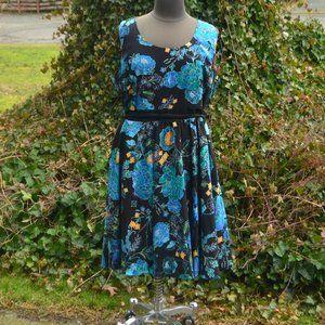 City Chic 24 Floral Sleeveless A-Line Midi Dress